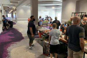 Orlando Toy Con Hallway